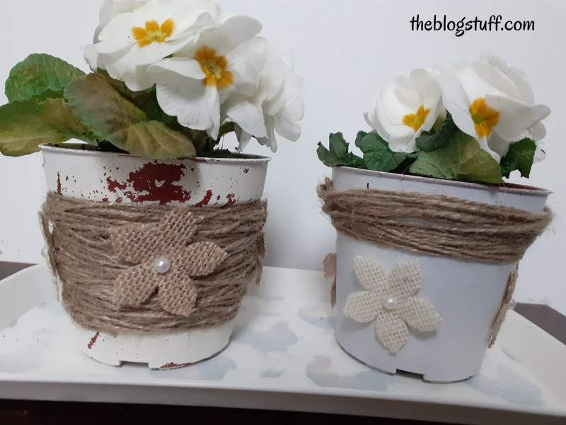 How to decorate plastic plant pots